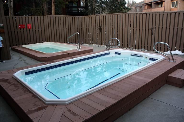 the-lift-210-exterior-hot-tubs