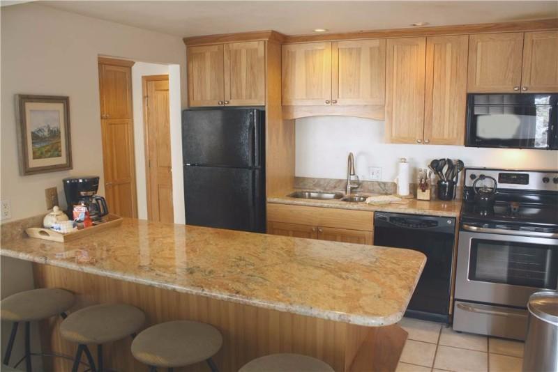 the-lift-210-kitchen