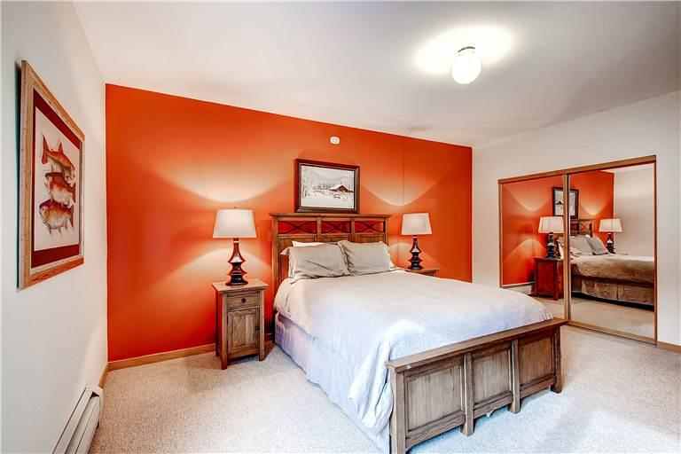 mountaineer-m1-bedroom-4