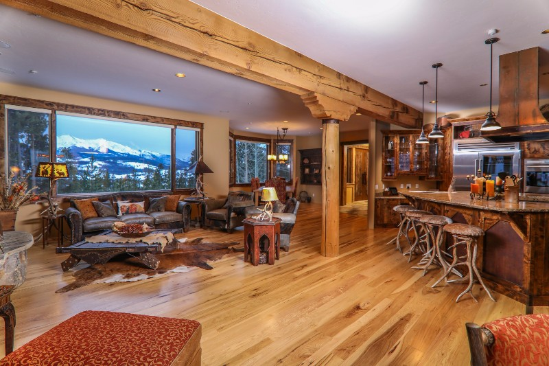 alpenglow-peaks-lodge-great-room