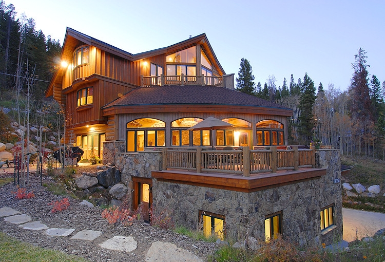 alpine-majesty-01-exterior