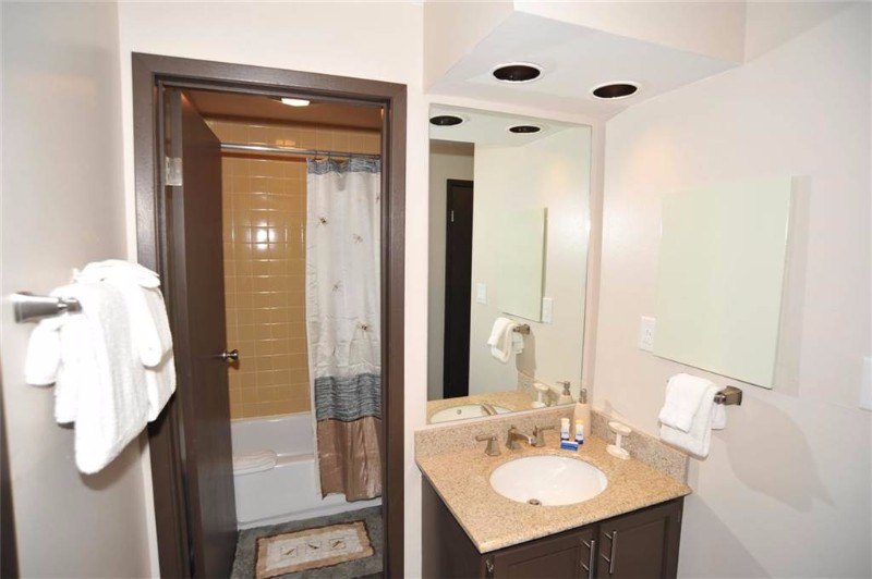 asgard-haus-201-10-bathroom