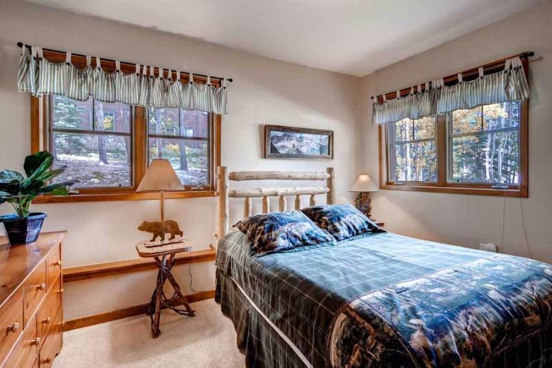 los-pinos-d10-05-bedroom