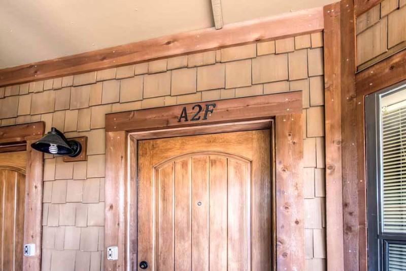 tyra-i-a2f-06-front-door